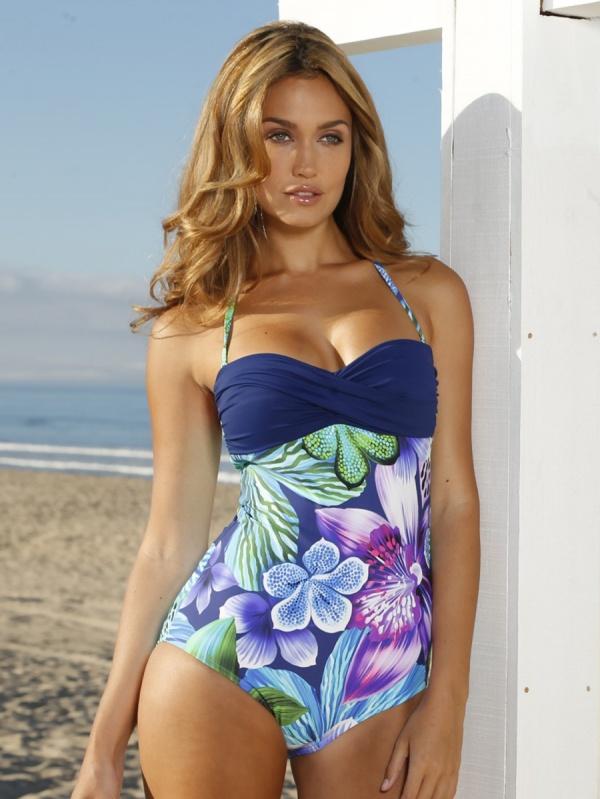 Bailey Nortje - Wenz Lingerie & Beachwear Set 3 (100 фото)