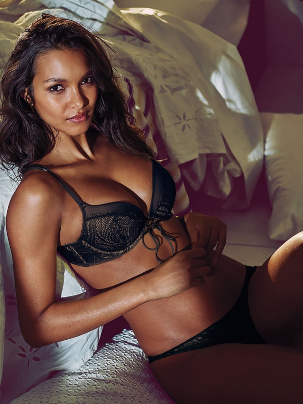 Lais Ribeiro - Victoria's Secret Photoshoot 2015 Set 3 (71 фото)