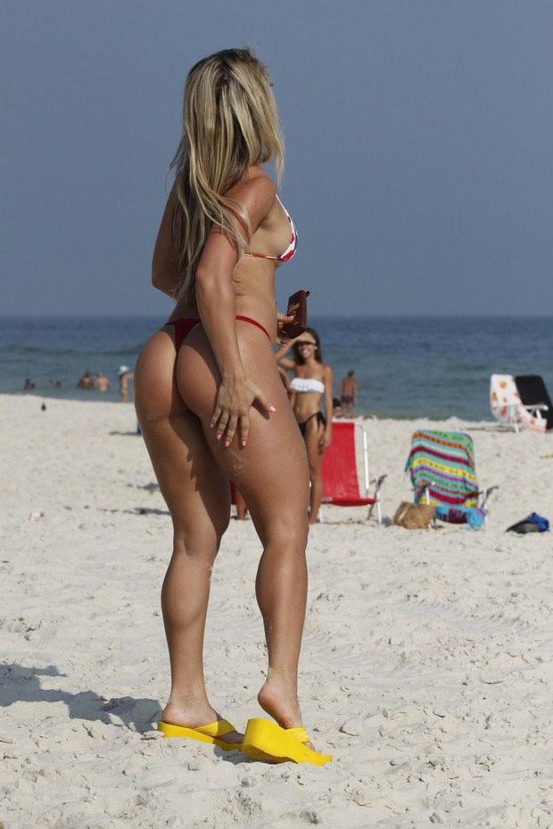 Beautiful naked italian brunettes