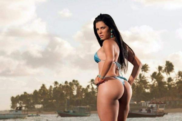 Бразильские горячие фотографии с пляжа (402 фото)