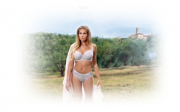 Marta Wierzbicka - Toskanska Swimsuit (25 фото)