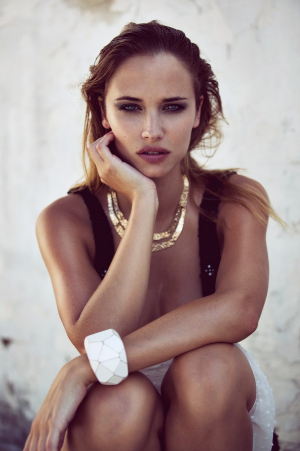 Agathe Teyssier (34 фото)