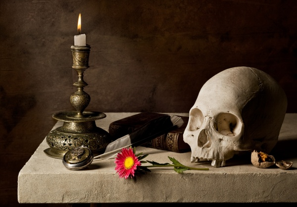 Compositions with skulls, candles and books (25 работ)
