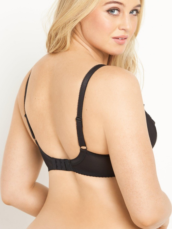 Iskra Lawrence - Very lingerie collection