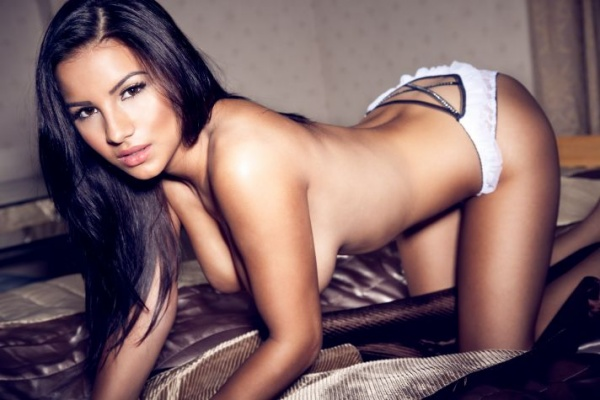 Lacey Banghard for Frank White (5 фото)