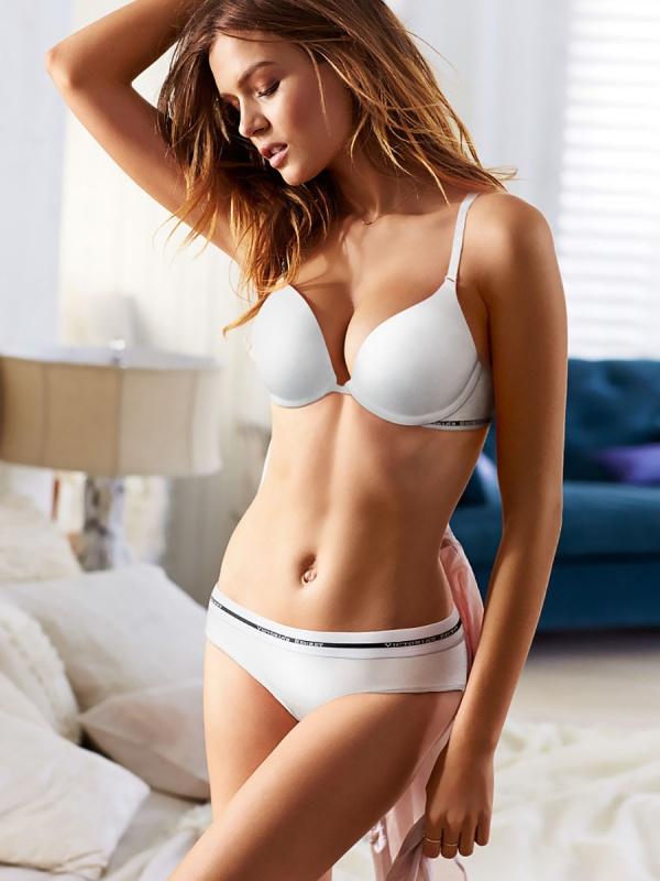 Supermodel Josephine Skriver