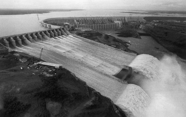Знаменитые черно-белые фотографии 20-го века в высоком качестве (198 фото)