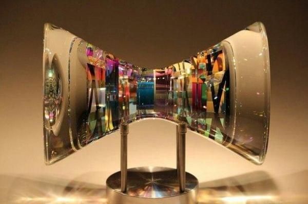 Американский художник Джек Стормс из Калифорнии создает стеклянные конструкции невероятной красоты (8 фото)