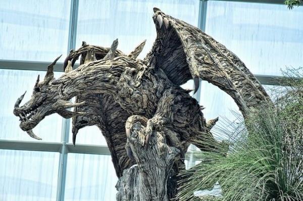 Драконы из коряг (8 фото)