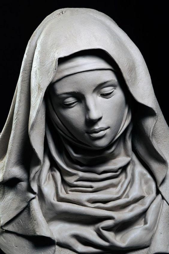 Женская детализация в скульптурах (7 фото)