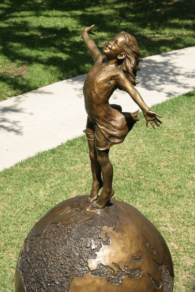 Живые скульптуры Angela Mia De La Vega (8 фото)