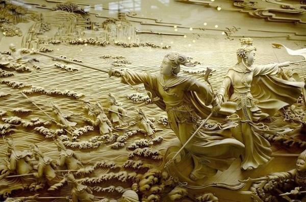 Китайский город Донгянг славится своей резьбой по дереву (9 фото)