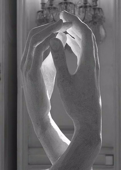 Мраморные руки (12 фото)