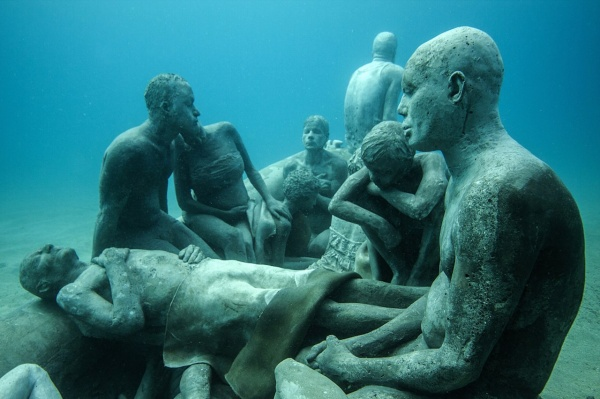Музей подводных скульптур на Канарах. Скульптор Jason deCaires Taylor (10 фото)