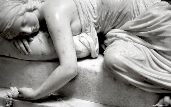 Под мраморной кожей бьется живое сердце (10 фото)