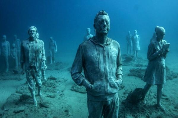 Подводный город скульптур. Художник Jason Decaires Taylor (7 фото)