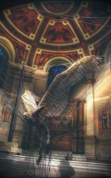 Пойманный дьявол в проводах электропередачи. Инсталляция в церкви Мельбурна (6 фото)