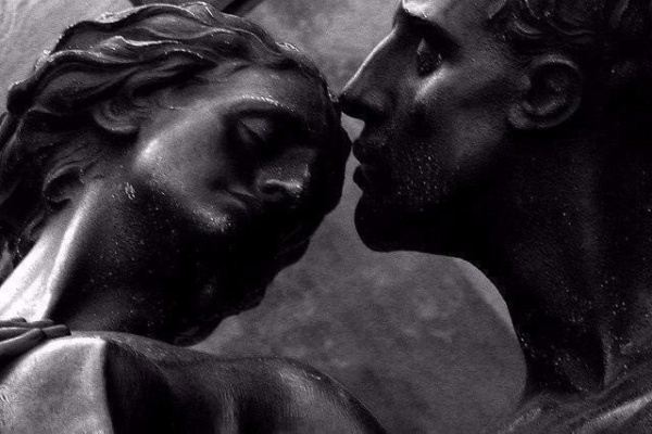 Поцелуи в скульптуре (12 фото)