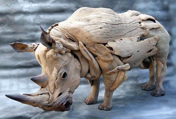 Работы южноафриканского художника Тони Фредрикссона (Tony Fredriksson). Скульптуры из коряг (7 фото)