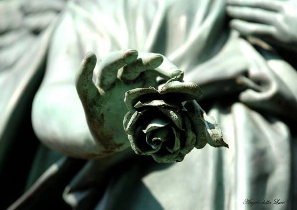 Розы в скульптуре (10 фото)