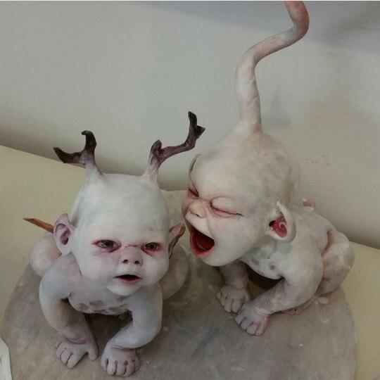 Скульптор Ronit Baranga. Grave Watchers Childhood (5 фото)