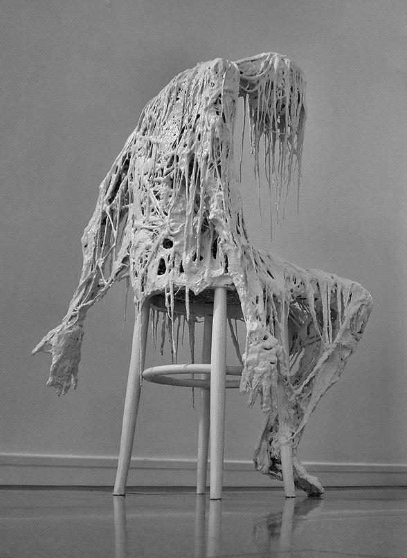 Скульптура под названием Вечное ожидание авторства итальянца Sasha Vinci (2 фото)