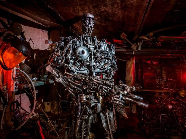 Скульптура Терминатор. Металл, вес 250 кг. КБ Ларюцкого (10 фото)