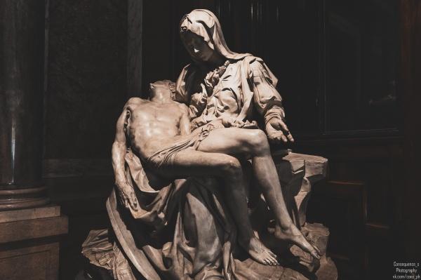 Скульптуры из знаменитых музеев (9 фото)