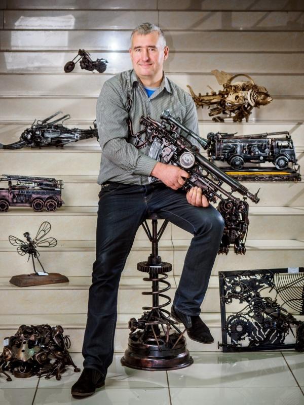 Скульптуры из металла. Скульптор Ларюцкий Александр (10 фото)