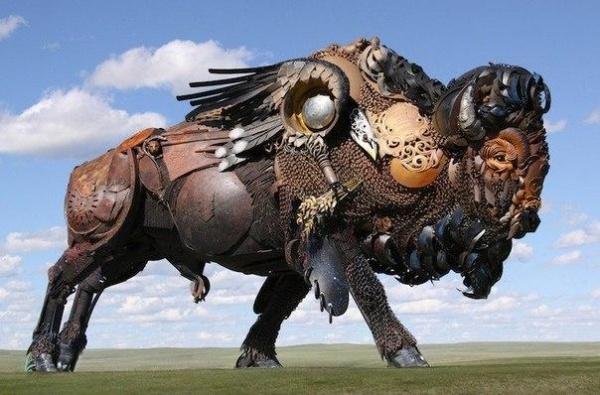 Скульптуры из механических отходов. Скульптор John Lopez (10 фото)
