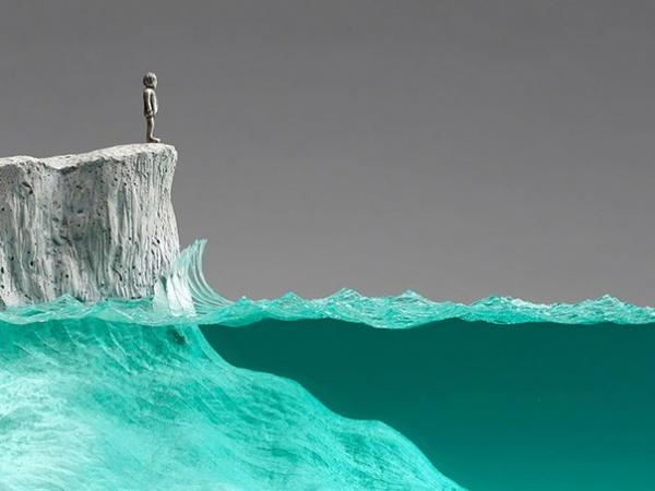 Скульптуры из многослойного стекла и бетона от Ben Young (7 фото)