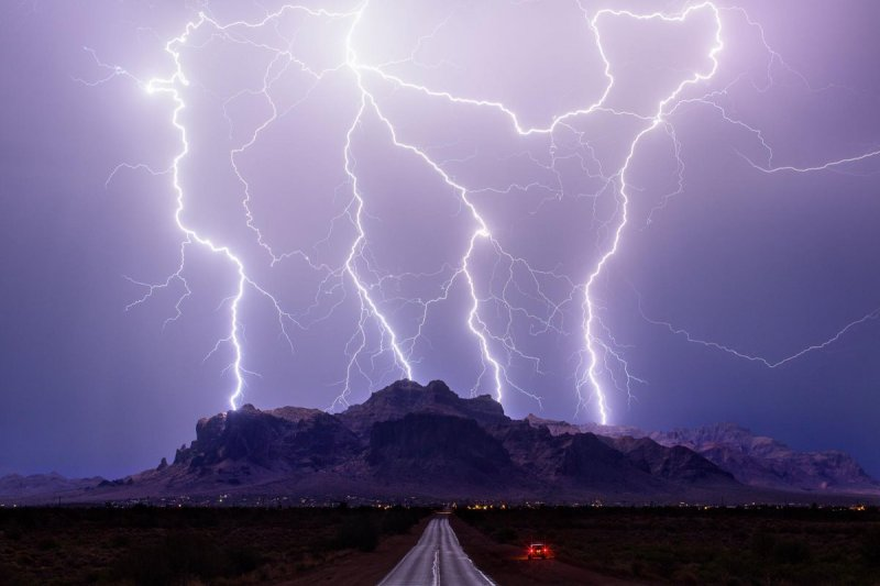 Победители конкурса на лучший снимок погодного явления года (14фото)