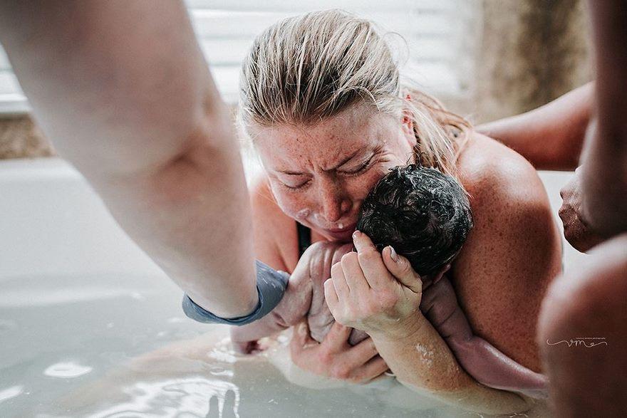 10 сильных фотографий появления на свет новой жизни
