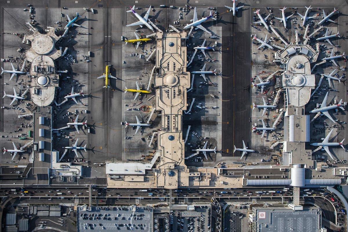 Снимки с воздуха, показывающие ошеломляющую симметрию аэропортов (19фото)
