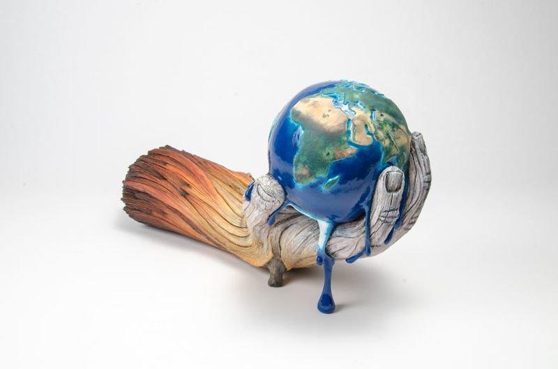 Скульптор делает завораживающие «деревянные» скульптуры из керамики (27фото)