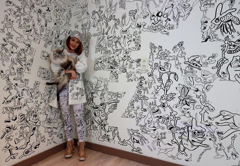 Девушка превратила весь дом в удивительный рисунок (14фото)