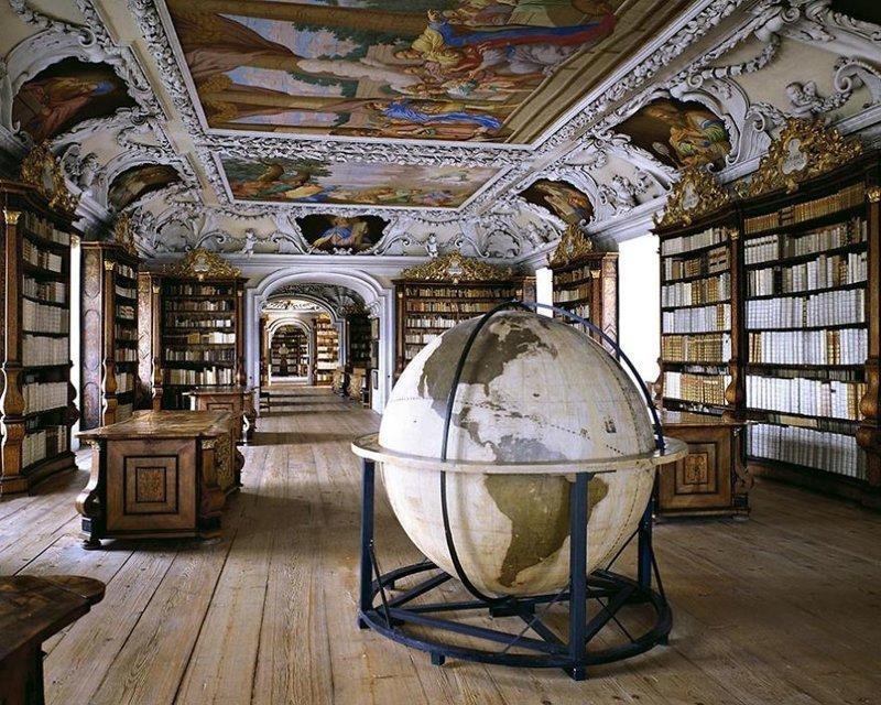 Фотограф путешествует по миру в поисках красивых библиотек (41фото)