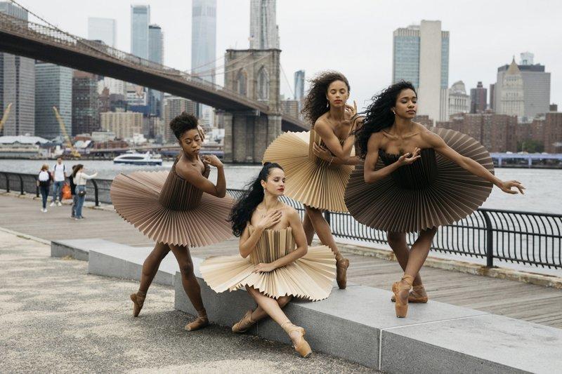 Балерины в пачках из оригами в необычном фотопроекте под названием