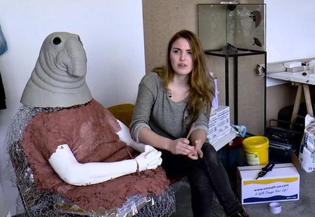 Маргрит ван Бреворт, автор Ждуна, создала новую странную скульптуру (3 фото + видео)