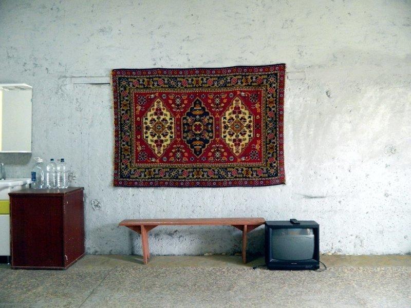 Житель Надыма сделал объёмную карту мира из пустой стены в своём гараже (15фото)