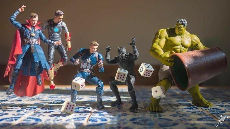 Фотограф Эди Харджо раскрывает тайную жизнь игрушечных супергероев (69фото)