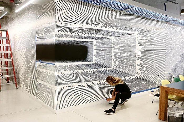 Художница создаёт удивительные оптические иллюзии, используя для их изготовления линии (22фото)