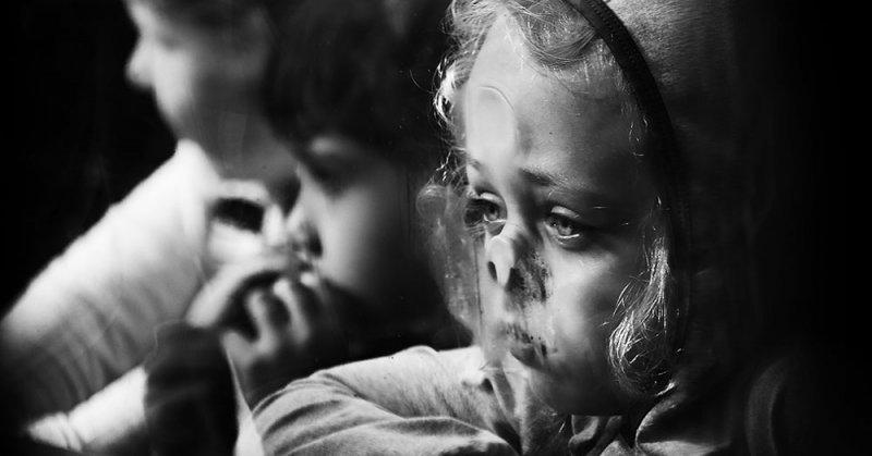 15 ярких снимков, которые победили в международном конкурсе на лучшую детскую чёрно-белую фотографию (17фото)