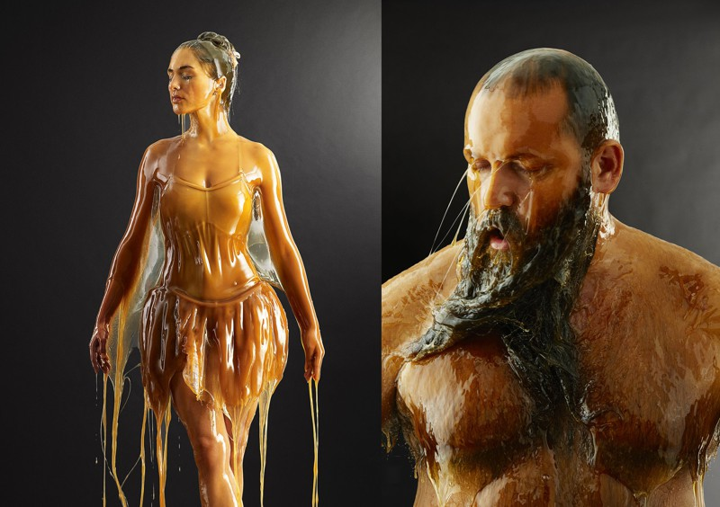 Фотограф покрывает моделей мёдом с ног до головы для странного проекта (13фото)