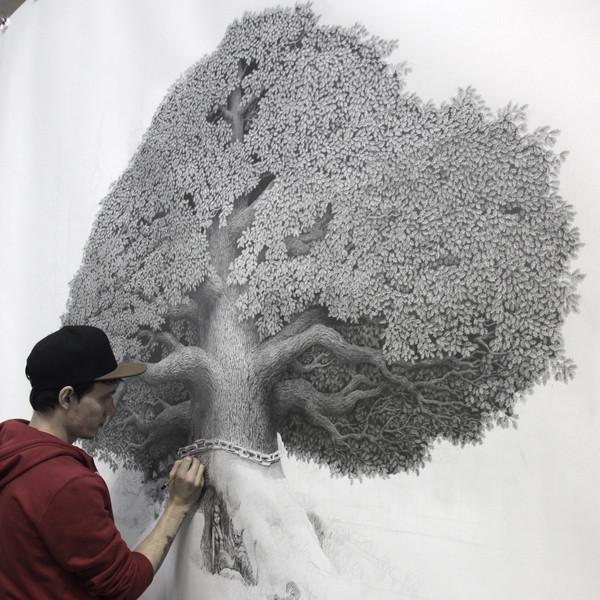 Работаю над большим рисунком карандашом!