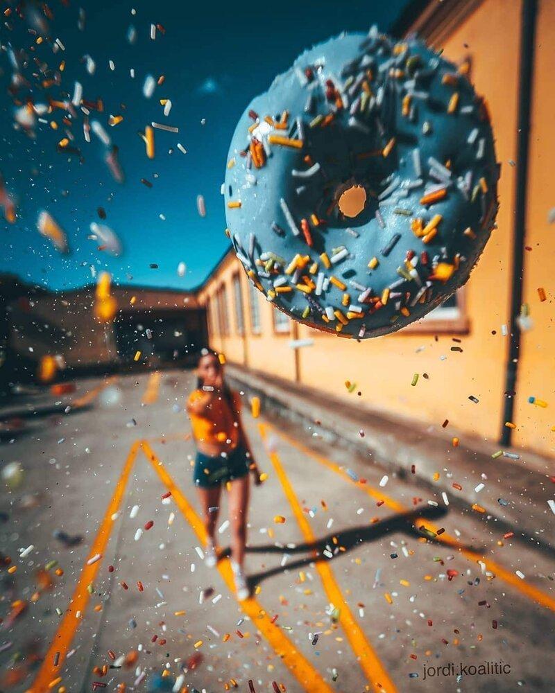 Испанский фотограф показывает, что за его креативными работами стоит вовсе не фотошоп, а смекалочка (29фото)