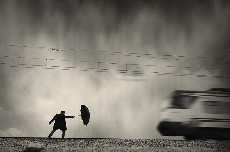 Мужчина и зонтик как символ одиночества в мире (19фото)