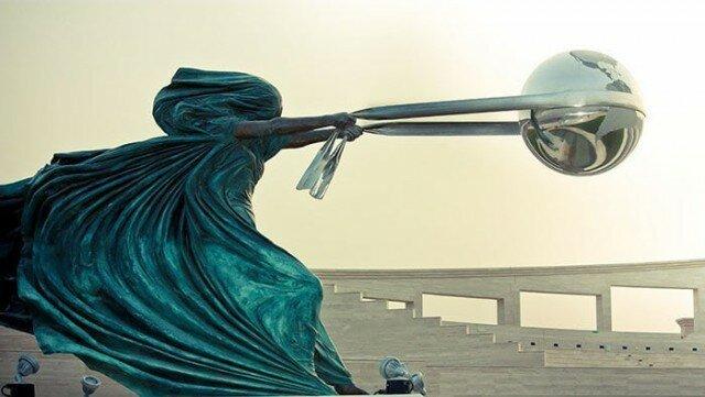 20 удивительных скульптур, которые кажутся настолько неустойчивыми (20фото)