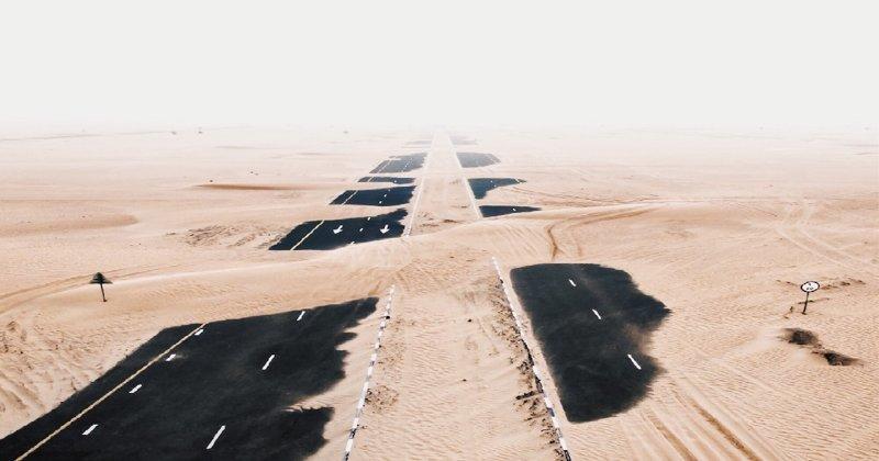 Апокалиптические аэрофотоснимки пустыни, поглощающей Эмираты (23фото)