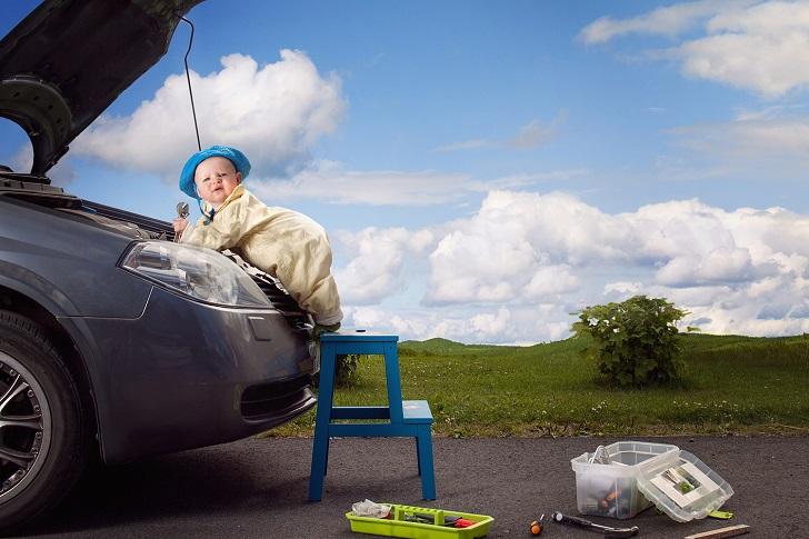 Швед фотографирует свою дочь в самых безумных ситуациях (12 фото)